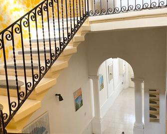 Lidda Butts Inn Annex - Victoria - Schodiště