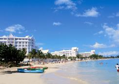 Hotel Riu Ocho Ríos - Ocho Rios - Beach