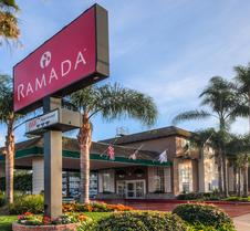 Ramada by Wyndham, Costa Mesa/Newport Beach