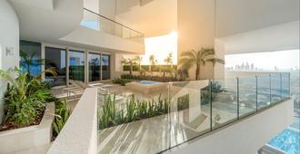 FIVE Jumeirah Village Dubai - Dubai - Balcó