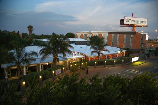 The Aviator Hotel Or Tambo International Airport - Kempton Park - Κτίριο