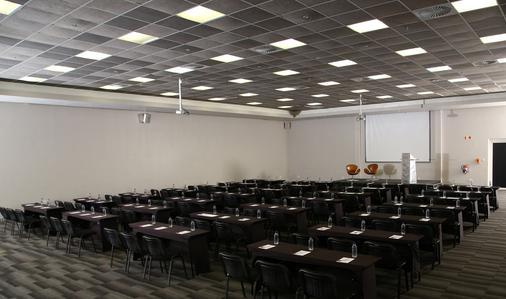 The Aviator Hotel Or Tambo - Kempton Park - Banquet hall