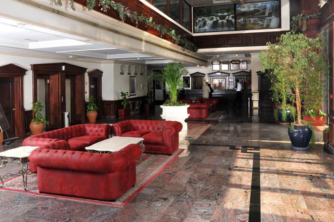 Bahrain Carlton Hotel - Manama - Lobby