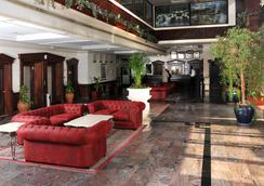 Bahrain Carlton Hotel - Manama - Hành lang