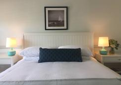 Blue Lantern Inn, A Four Sisters Inn - Dana Point - Bedroom