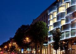 Renaissance Paris Arc de Triomphe Hotel - Pariisi - Rakennus