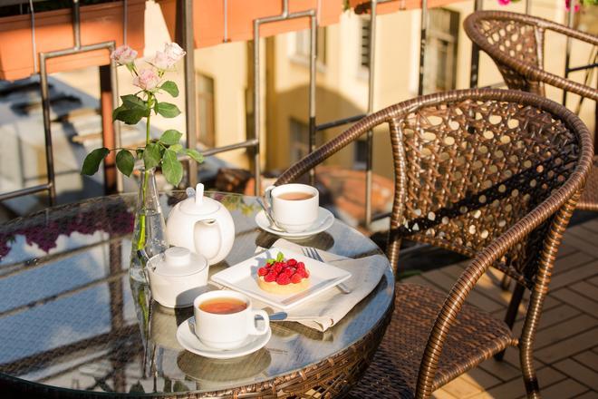 Sky Hotel - San Pietroburgo - Balcone