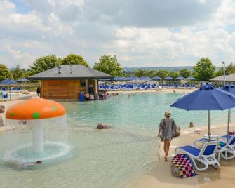 Lake Taupo Holiday Resort - Taupo - Pool