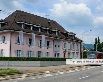 Hotel Bären Solothurn - Золотурн - Building