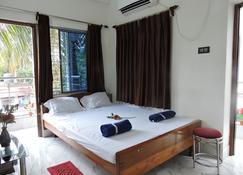 Venus Guest house - Digha - Bedroom