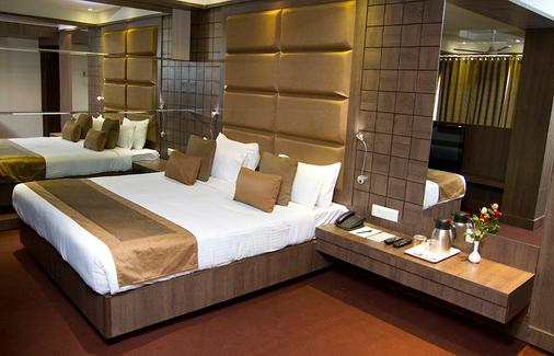 Hotel Centre Point - Nagpur - Bedroom