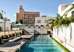 Posh South Beach Hostel, A South Beach Group Hotel - Miami Beach - Pool