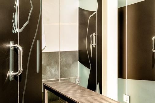 Posh South Beach Hostel, A South Beach Group Hotel - Miami Beach - Bathroom