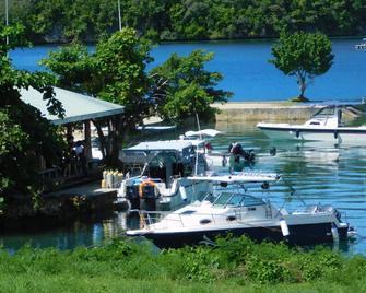G.A.U. Mechang Lagoon Resort - Koror - Beach