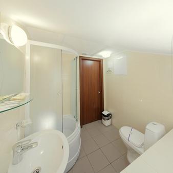 Hotel Deribas - Odessa - Phòng tắm
