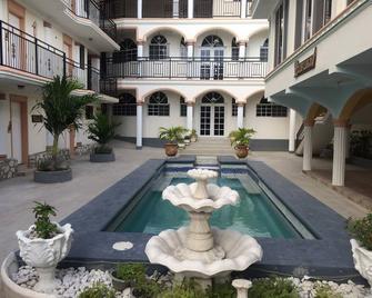 Hôtel Villa Lamarre - Montrouis - Außenansicht