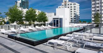 Gale South Beach, Curio Collection by Hilton - Bãi biển Miami - Bể bơi
