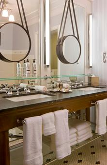 Hotel Jerome, An Auberge Resort - Aspen - Bathroom