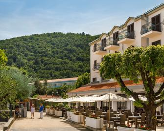 Smart Selection Hotel Mediteran - Mošćenička Draga - Building