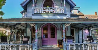 Narragansett House - Oak Bluffs - Edificio
