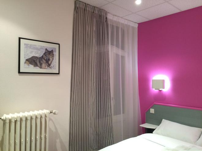 Hotel Escurial - Metz - Bedroom