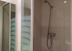 埃斯庫里亞爾酒店 - 梅茲 - 梅斯 - 浴室