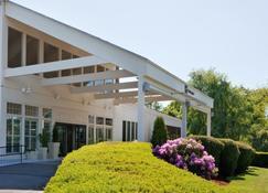 Holiday Inn Cape Cod-Falmouth - Falmouth - Building