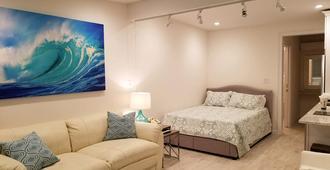 Ocean Vista Resort - Amagansett - Bedroom