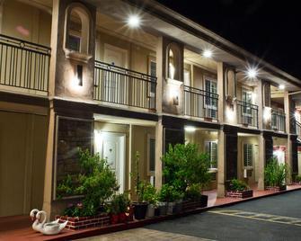 Stone Villa Inn by Magnuson Hotels - San Mateo - Gebouw
