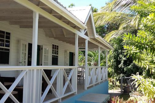 Gibbs Glade Cottage & Garden Studios - Saint Peter - Building