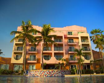 Hotel Santa Fe Guam - Tamuning - Gebouw