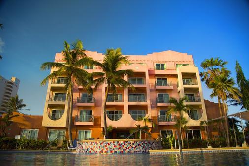 Hotel Santa Fe Guam - Τάμουνινγκ - Κτίριο