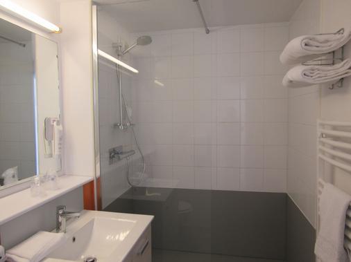 The Originals City, Hôtel Morlaix Ouest (Inter-Hotel) - Saint-Martin-des-Champs - Bathroom