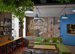 Rolling Stones Hostel - Irkutsk - Wohnzimmer