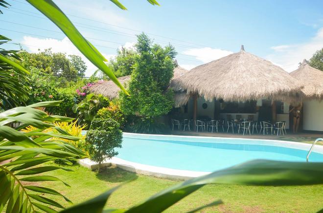 Vanilla Sky Dive Resort - Panglao - Piscina