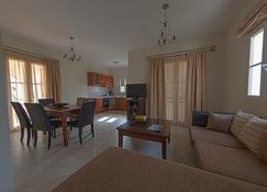 Iliada Villas - Agios Prokopios - Sala de estar