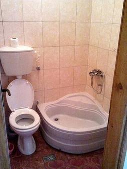 Sun Hostel Budva - Budva - Bathroom