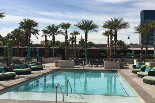 Luxury Suites International at The Signature - Las Vegas - Pool