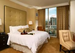 Luxury Suites International at The Signature - Las Vegas - Bedroom
