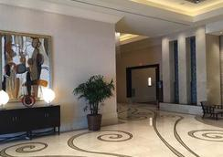 Luxury Suites International at The Signature - Las Vegas - Lobby