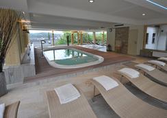 Romantik Alpenhotel Waxenstein - Grainau - Pool
