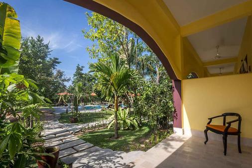 Encore Angkor Villa & Residence - Siĕm Réab - Parveke