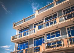 Abuharee Grand - Addu City - Building