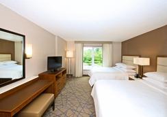 Embassy Suites by Hilton Seattle North Lynnwood - Lynnwood - Makuuhuone