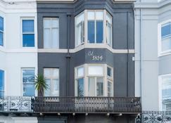 Brighton Marina House Hotel - Brighton - Bâtiment