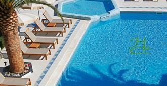 Hotel Corsica - Calvi - Piscina