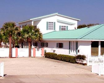 Island Cottage Oceanfront Inn - Flagler Beach - Building
