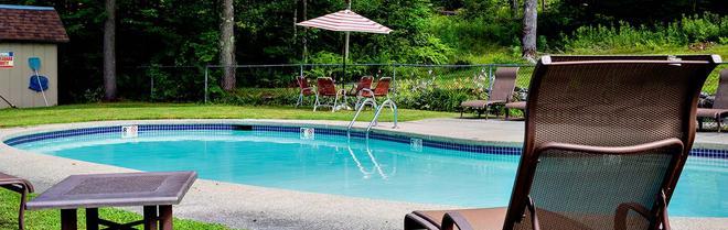 Hob Knob Inn, Bar & Lounge - Stowe - Pool