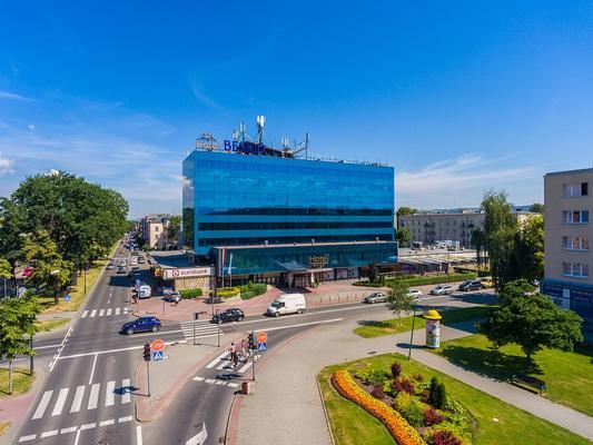 Hotel Beskid - Nowy Sącz - Building