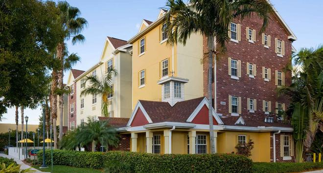 TownePlace Suites by Marriott Miami Airport West/Doral Area - Doral - Κτίριο